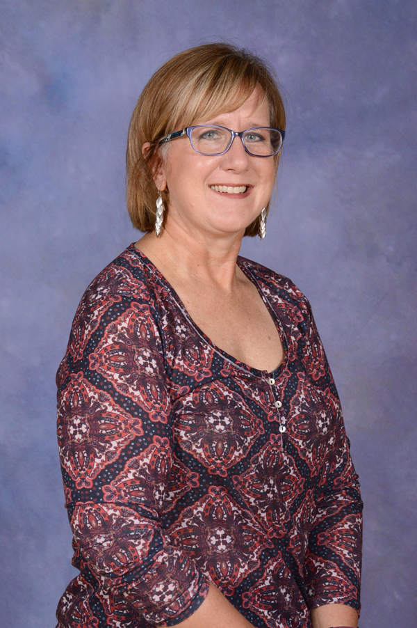 Tammy Shoemaker : Administrative Assistant